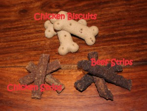 Wholesome Chicken Flavour Biscuits, Succulent Chicken and Tender Beef Strips